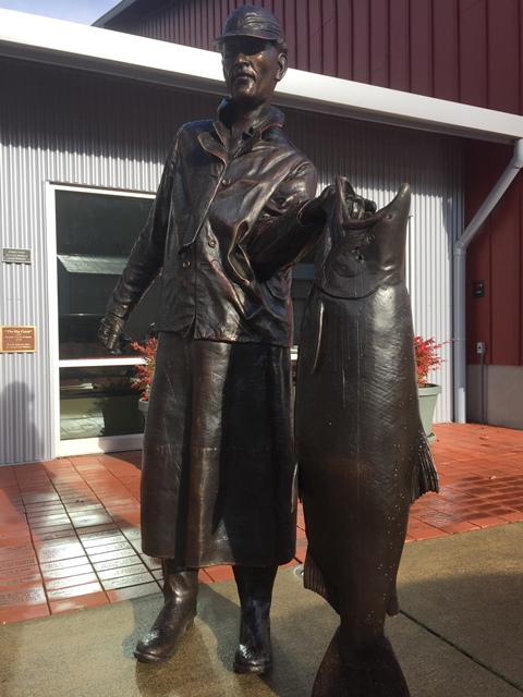 Gig Harbor History Museum. The Big Catch Bronze Statue with King Salmon